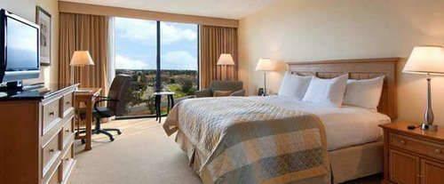 Hilton Sacramento Arden West Room Photos