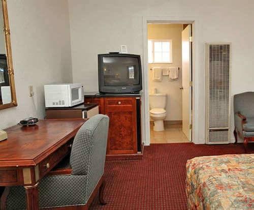 Candle Bay Inn Room Photos