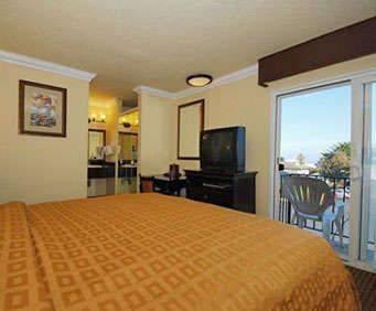 Clarion Hotel Monterey Indoor Swimming Pool
