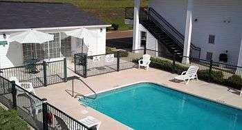 Outdoor Pool at Baymont Inn & Suites Vicksburg