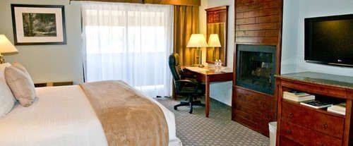 Photo of Best Western Forest Park Inn Room