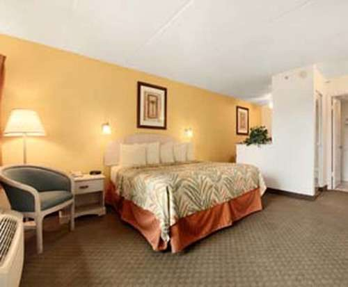Room Photo for Days Inn & Suites Amelia Island At the Beach