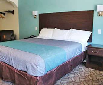 Photo of Rodeway Inn & Suites Inglewood Room