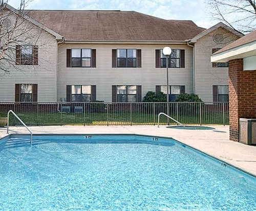 Outdoor Pool at All Season Suites Pigeon Forge, TN