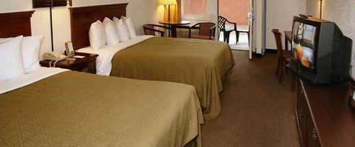 Photo of Quality Inn Creekside - Gatlinburg, TN Room