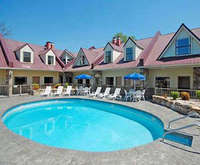 Econo Lodge Inn & Suites Gatlinburg Room Photos