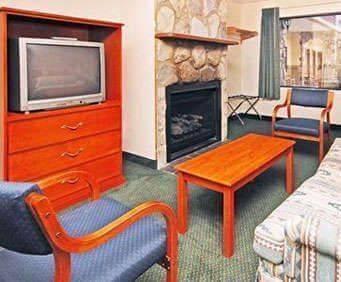 Room Photo for Econo Lodge Inn & Suites Gatlinburg