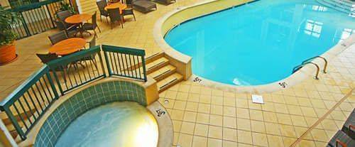 Econo Lodge Riverside Indoor Swimming Pool