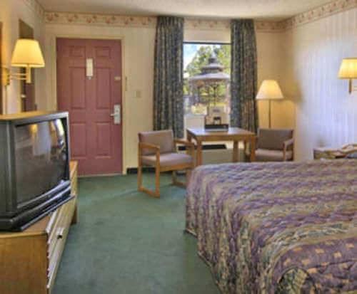 Room Photo for Express Inn Eureka Springs