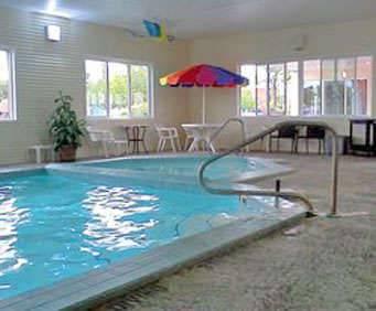 Courtyard Inn & Suites of Mackinaw City Indoor Pool