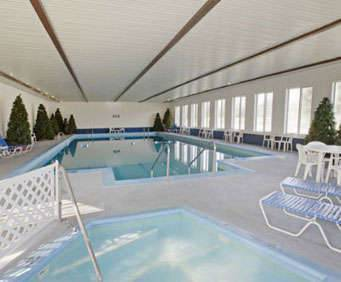 America's Best Value Inn Mackinaw City Indoor Pool