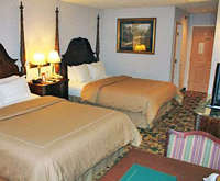 Comfort Suites Mackinaw City Room Photos