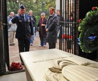 Mount Vernon/Old Town Alexandria - Washington's Tomb