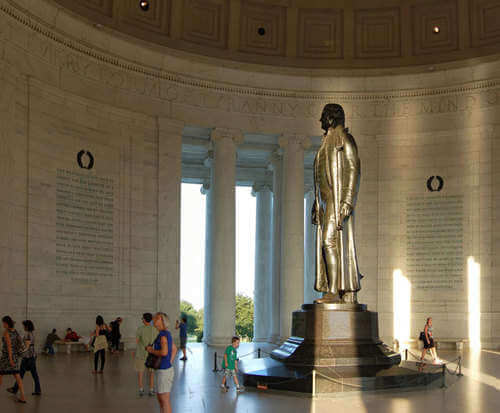 DC in a Day Tour, monuments