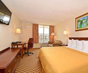 Photo of Quality Inn & Suites Near Ft. Belvoir  Room