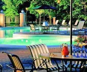 Outdoor Swimming Pool of Omni Shoreham Hotel