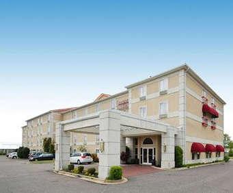 Photo of Comfort Suites - Memphis, TN Room