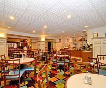 Comfort Inn & Suites Airport American Way Dining