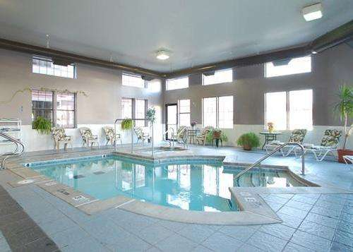 Pool - Fitness Area