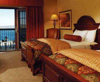 Photo of Chateau On The Lake Resort Spa and Convention Centre Room