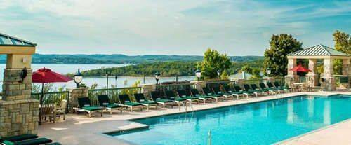 Outdoor Swimming Pool of Chateau On The Lake Resort Spa and Convention Centre