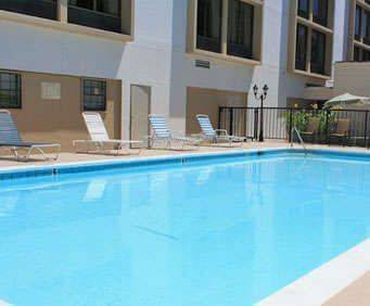 Outdoor Pool at Best Western Music Row