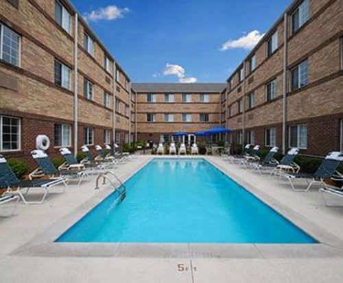 Outdoor Pool at MainStay Suites Brentwood