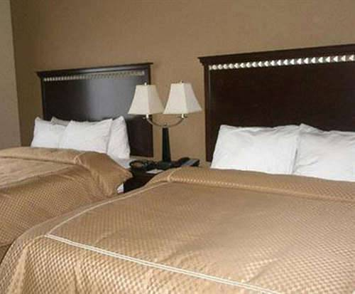 Photo of Comfort Suites Smyrna Room