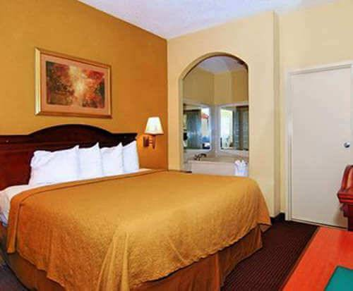 Quality Inn Goodlettsville Room Photos