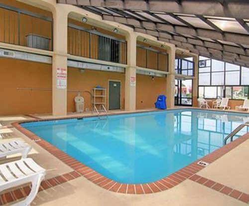 Quality Inn Goodlettsville Indoor Swimming Pool