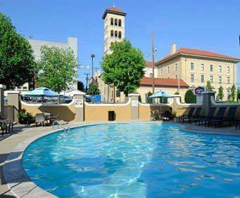 Outdoor Swimming Pool of Hampton Inn Nashville/Vanderbilt