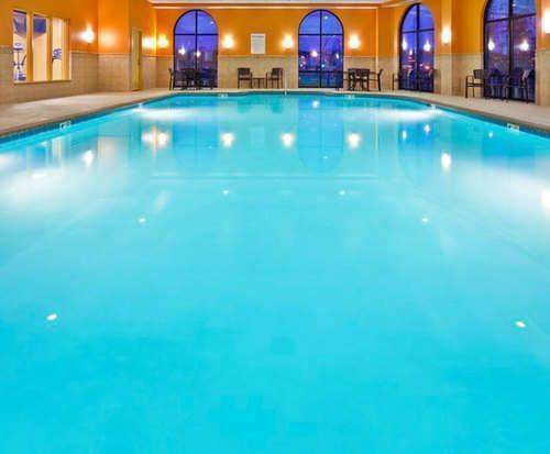 Holiday Inn Express & Suites Opryland Indoor Pool