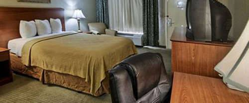 Photo of Quality Inn Gulfport Room