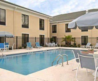 Baymont Inn & Suites Garden City/Savannah Indoor Swimming Pool