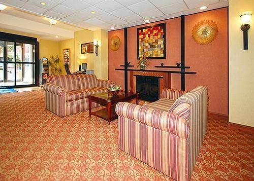 Lobby of Comfort Inn Valley Forge National Park