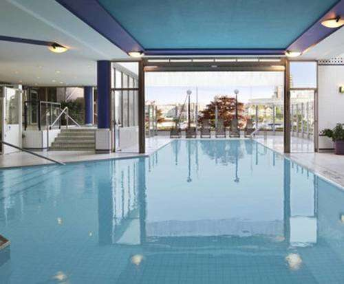 Coast Victoria Harbourside Hotel & Marina Indoor Pool