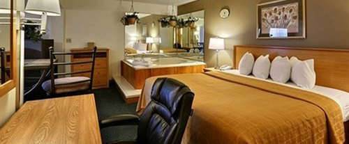 Photo of Quality Inn Mauston Room