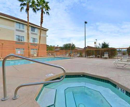 Outdoor Pool at MainStay Suites Phoenix