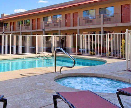 Outdoor Swimming Pool of The Views Inn Sedona