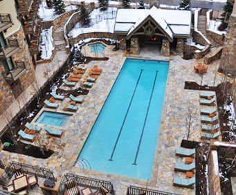 Outdoor Swimming Pool of Four Seasons Resort Vail