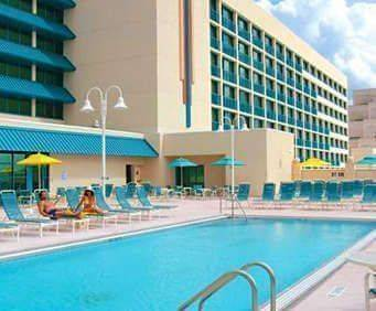 Outdoor Swimming Pool of Hilton Daytona Beach Resort/Ocean Walk Village