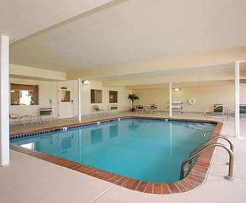 Comfort Inn & Suites Chesterfield, MO Indoor Swimming Pool