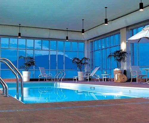 The Chattanoogan Indoor Swimming Pool
