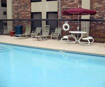 Outdoor Swimming Pool of Comfort Inn Downtown Lookout Mountain