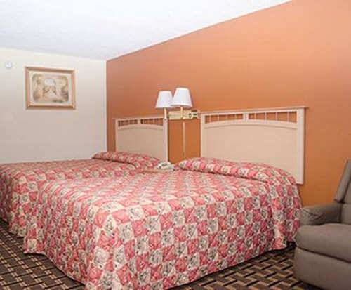 Photo of Econo Lodge Chattanooga Room