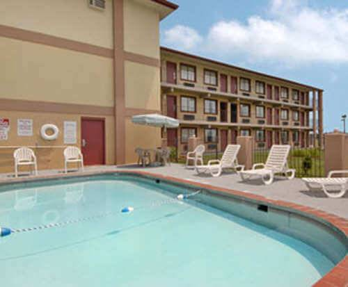 Outdoor Pool at Days Inn and Suites Springfield