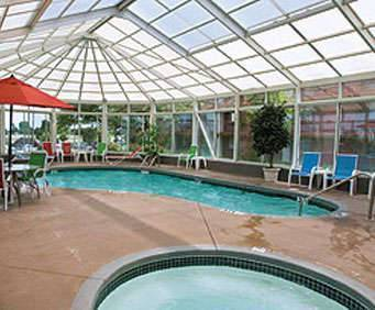 Lamplighter Inn & Suites - North Indoor Pool