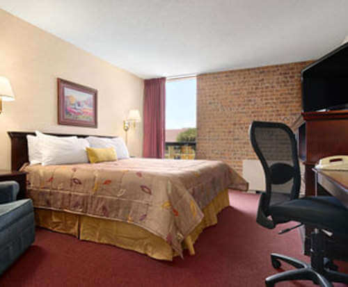 Ramada Austin Central General Picture