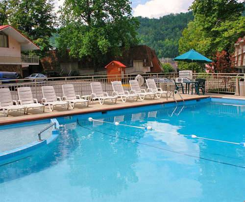 Outdoor Pool at Quality Inn Creekside - Gatlinburg, TN
