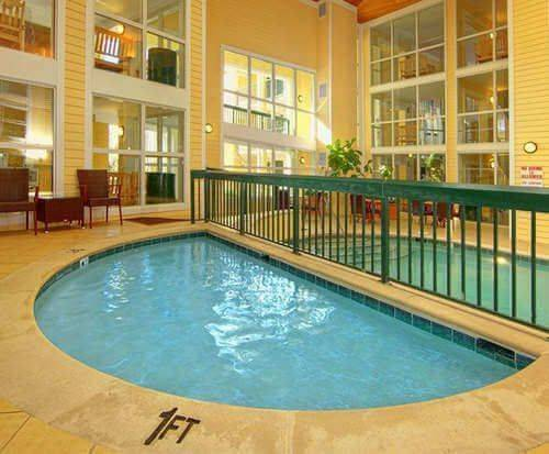 Econo Lodge Riverside Pigeon Forge Indoor Pool